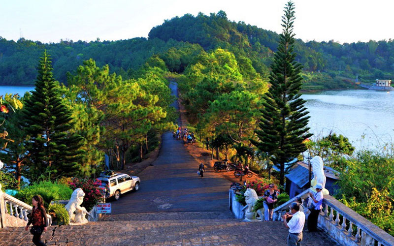 4 points of check-in in Gia Lai make young people 'stand still'