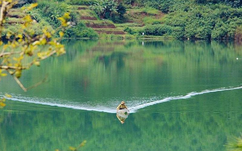 Biển Hồ Gia Lai - ấn tượng hoang sơ núi rừng Tây Nguyên